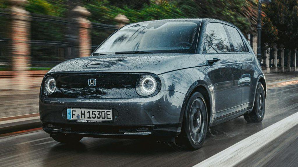 El Honda e eléctrico rodando en Asia