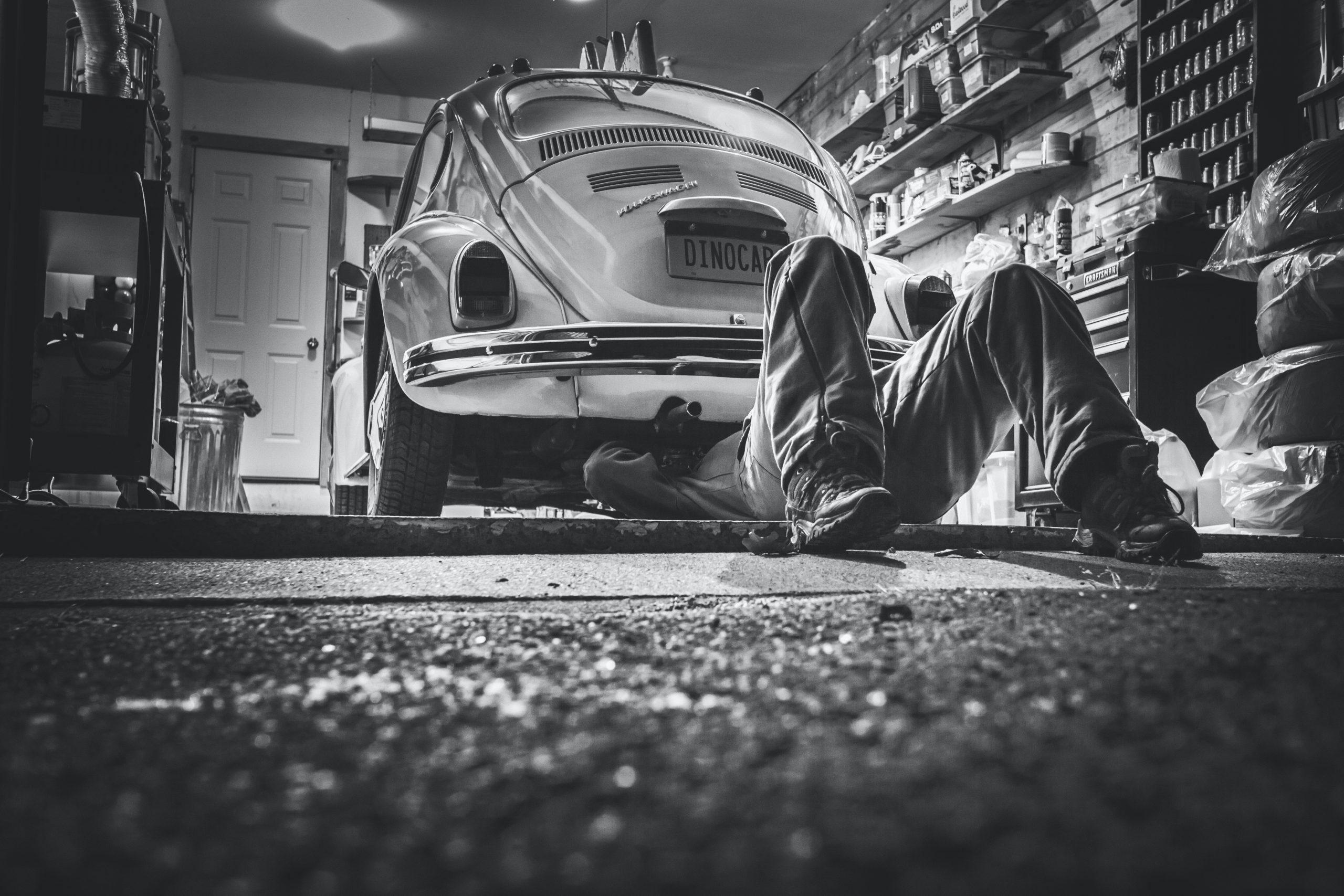 Mecánica básica para tu auto mientras estas en casa