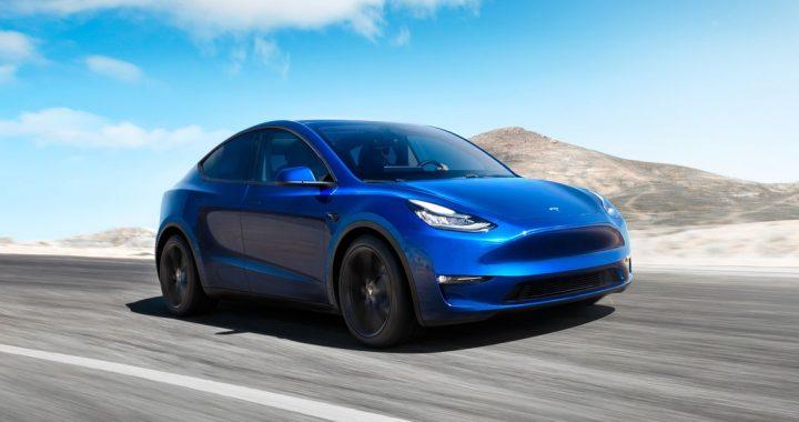 Tesla Modelo Y color azul