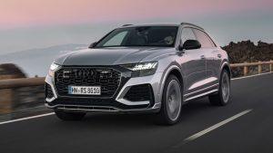 Audi Q8 2021 en la carretera